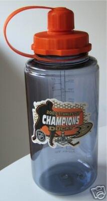 Anaheim Ducks Stanley Cup Champions 32oz. Glacier Bottle Gift