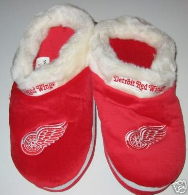 Detroit Red Wings Fuzzy Slide On Slippers Gift