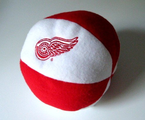 Detroit Red Wings Plush Ball Baby Rattle Toy Gift