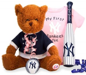 New York Yankees New Baby Girl Gift Set Basket
