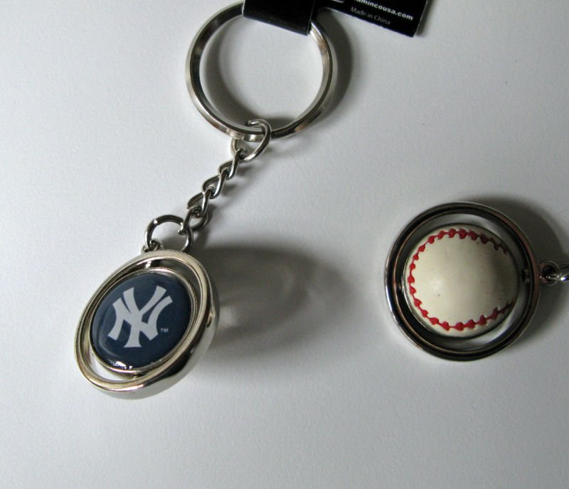 New York Yankees Rubber Baseball Spinner Keychain Key Ring