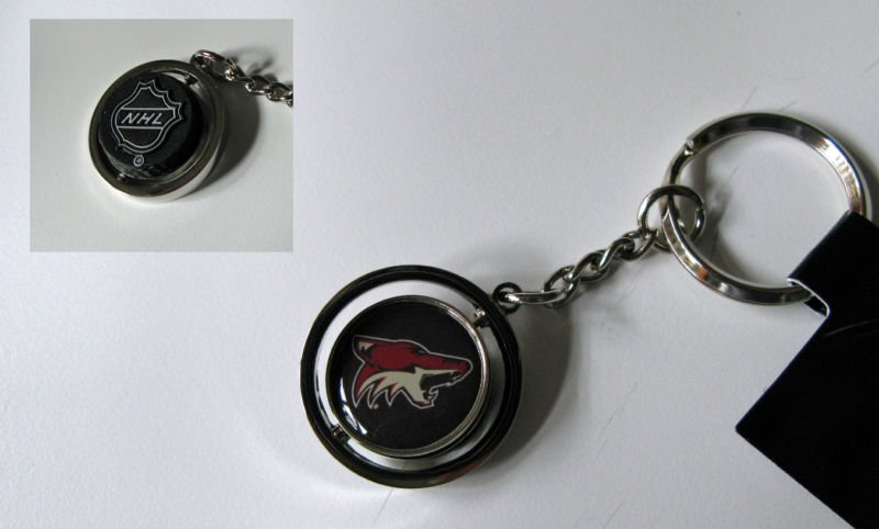 Phoenix Coyotes Rubber Puck Spinner Keychain Key Ring