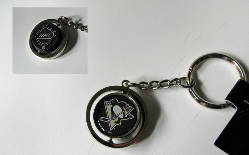 Pittsburgh Penguins Rubber Puck Spinner Keychain Key Ring