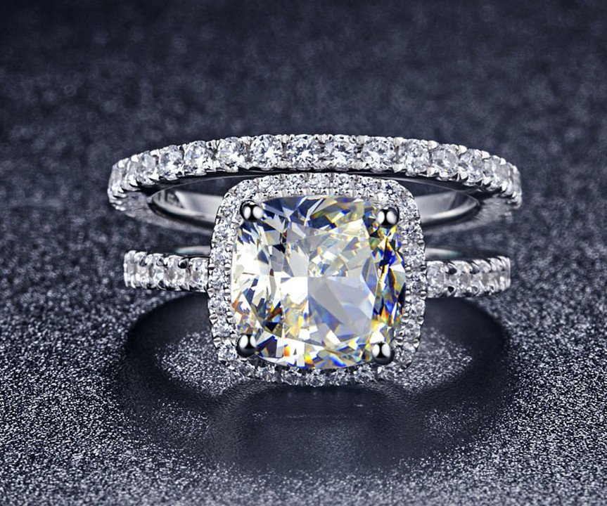 Luxury 2 Ct Cushion Cut Man Made Diamond Ring Engagement Rings Set