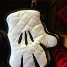 Disney Parks Exclusive Mickey Mouse Hand Oven Mitt NWT