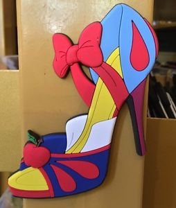 DISNEY PARKS EXCLUSIVE SNOW WHITE LARGE MAGNET SHOE NEW