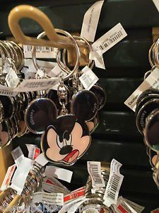 DISNEY PARKS MICKEY MOUSE FACE METAL KEYCHAIN NEW WITH TAGS