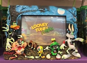 Six Flags Magic Mountain Looney Tunes Zombies Bugs Bunny Resin Photo Frame New