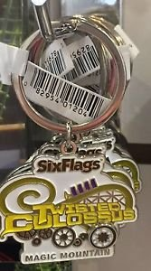 Six Flags Magic Mountain Twisted Colossus White Metal Keyring Keychain New