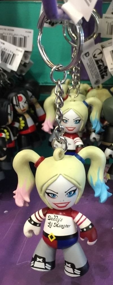 Six Flags Magic Mountain Suicide Squad Harley Quinn Vinyl Figure Keychain New