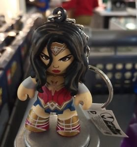 Six Flags Magic Mountain DC Comics Wonder Woman Movie Vinyl Figure Keychain New