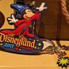 Disneyland Resort 2017 Sorcerer Mickey Mouse Zinc Alloy Rubber Keychain New