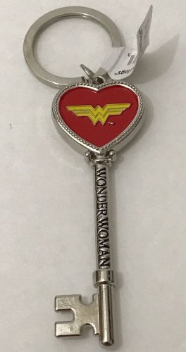 Six Flags Magic Mountain Dc Comics Wonder Woman Metal Heart Key Shape Keychain