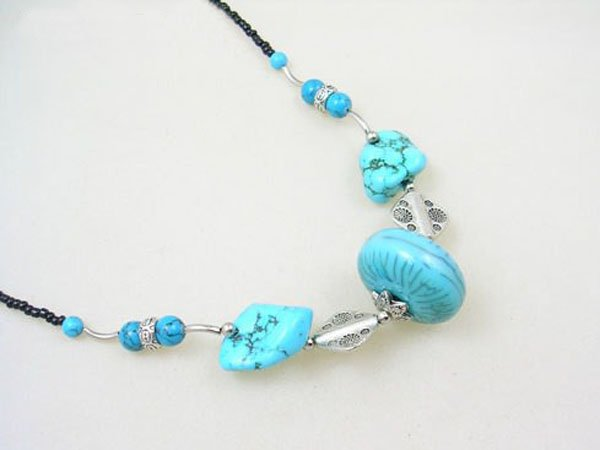DSCN-5599     Turquoise, Tibet Silver Beads Necklace