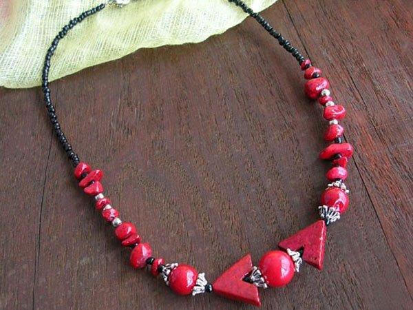 DSCN-1916     Coral Beads, Tibet Silver Necklace