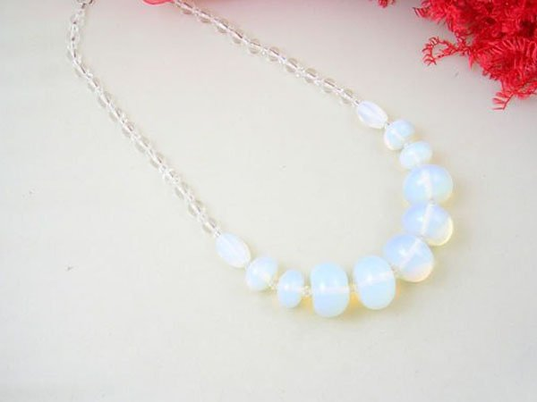 Free shipping---Moonstone Beads Necklace