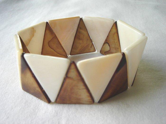 BHX-6002  Natural Shell Bracelet