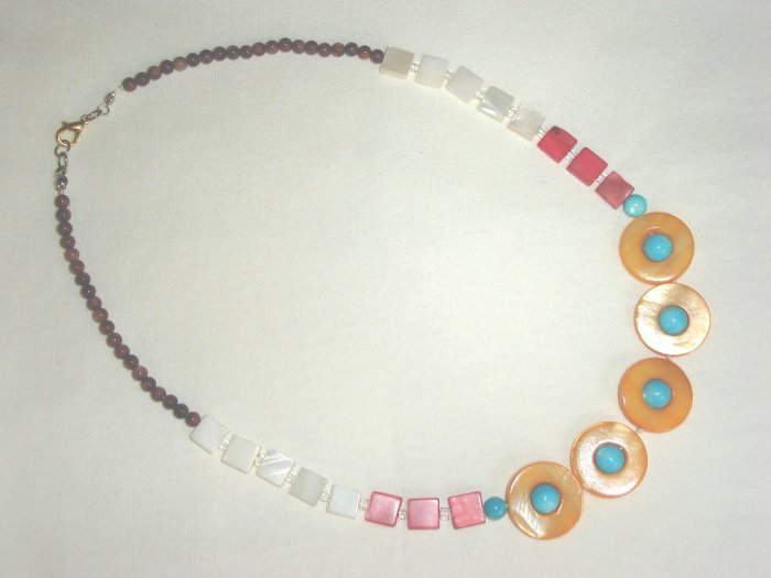 NHX-8002     Natural Shell Necklace