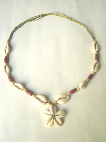 NCL-8005     Natural Shell And Wood Beads Necklace