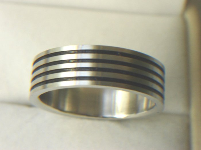 Free shipping--Stainless Steel Four Row Band Ring