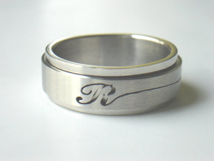 RHD-8033     Stainless Steel Laser Cut Spin Ring