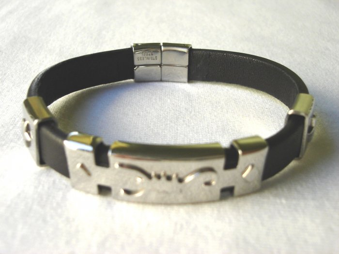 BHY-6013     Stainless Steel & Genuine Leather Bracelet
