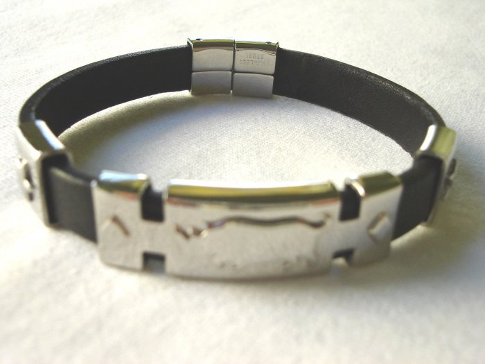 BHY-6012     Stainless Steel & Genuine Leather Bracelet