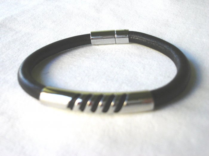 BHY-9003    Stainless Steel & Genuine Leather Bracelet