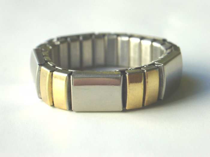 RHY-6005        Steel And Goldtone 2-Tone Stretch Ring