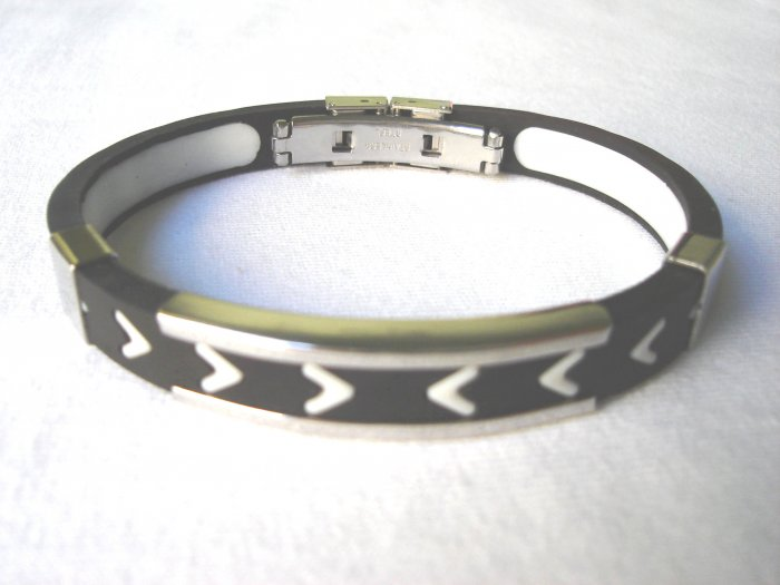 BHY-2028    Stainless Steel And Rubber Bracelet