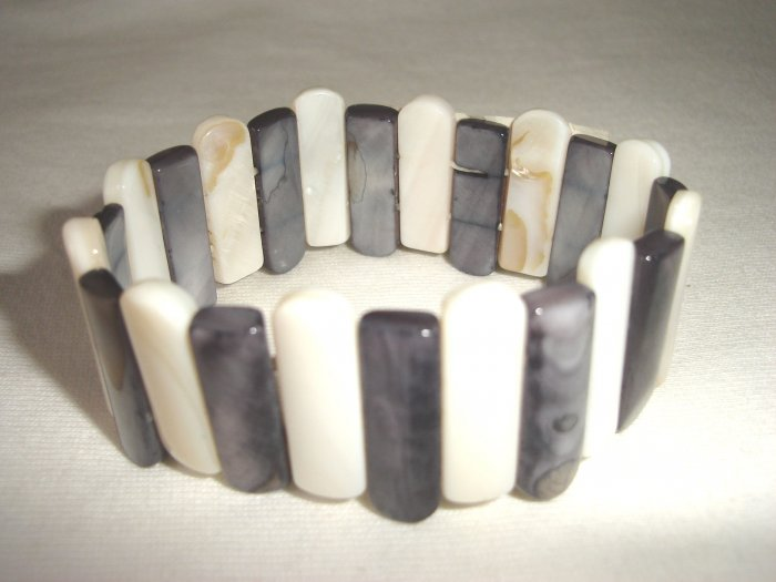 BHX-6014      Natural Shell Bracelet