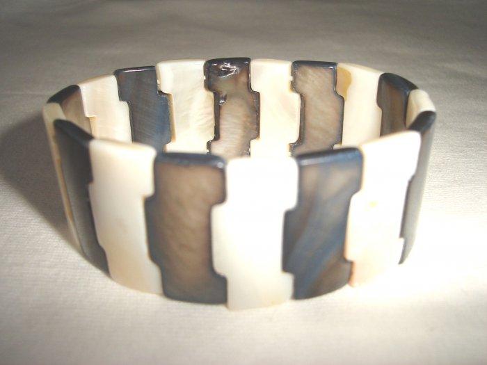BHX-6020   Natural Shell Bracelet