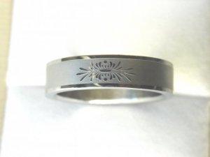 Free shipping--Stainless Steel Flower- Design Wedding Ring