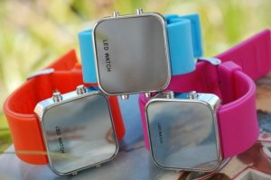Free shipping---Mirrored Surface LED Watch