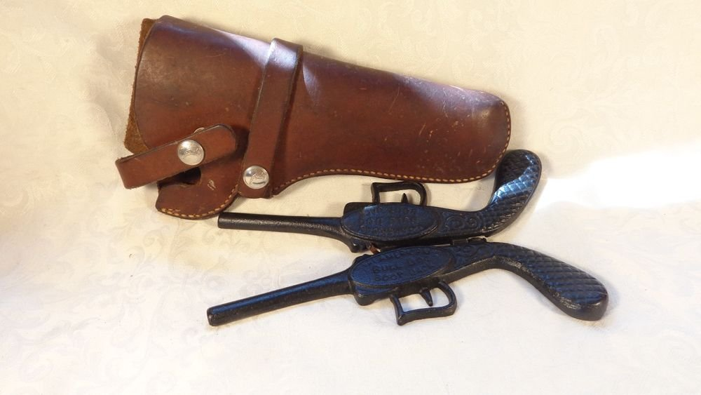 VINTAGE CAST IRON PISTOL GUN SHAPED BOOT JACK TOOL LEATHER HUNTER BRAND HOLSTER