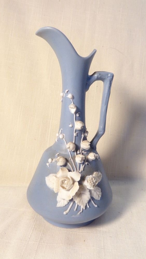 VINTAGE LEFTON'S OF JAPAN MAJOLICA STYLE ROSES ON BLUE WEDGEWOOD PITCHER W/TAG