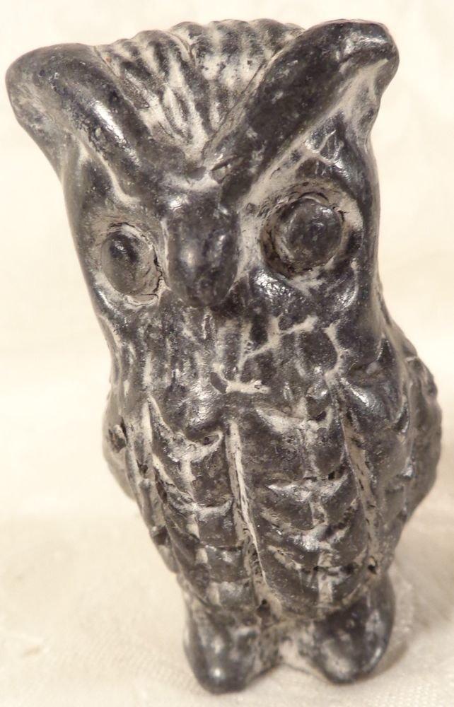 VINTAGE CANADIEN WOLF HAND CARVED SOAPSTONE OWL BIRD FIGURINE STATUE..SUPERB
