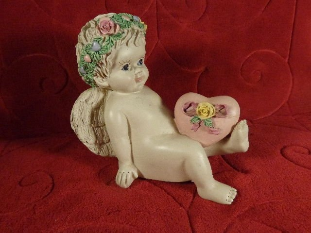 VINTAGE SPAGHETTI CERAMIC  ANGEL MUSIC BOX THOUGH THE EYES OF LOVE ADORABLE
