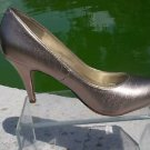 Fergalicious by FERGIE $65 GOLD METALLIC TEXTURED Pump Shoe NIB 7.5 UTOPIA