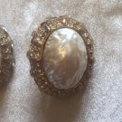Chicos Statement EARRINGS EUC TEXTURED PEARL RHINESTONE GOLD TONE CLIP ON SIGNED