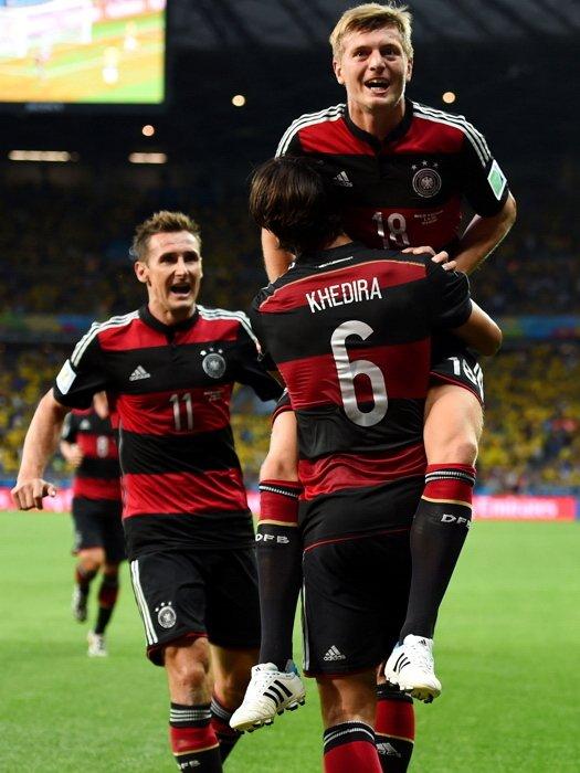 Tony Kroos Sami Khedira Miroslav Klose Germany Football 32x24 Wall Print POSTER