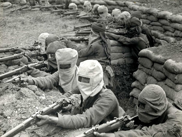 Trench Gas Attack Masks Rifles 1915 Rare WWI WW1 Old BW 16x12 Print POSTER