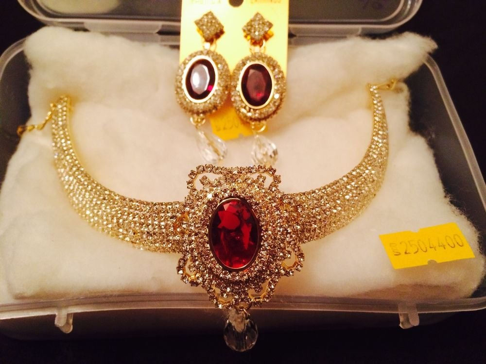 New Indian Wedding Golden Diamond Style Set With Different Color Of Stone