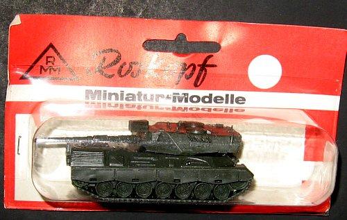 Roskopf Miniatur Modelle Leopard A1A Tank NOS