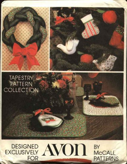 McCall�s Sewing Pattern 5380 Avon Christmas Decorations Ornaments Stockings Wreath Placemats
