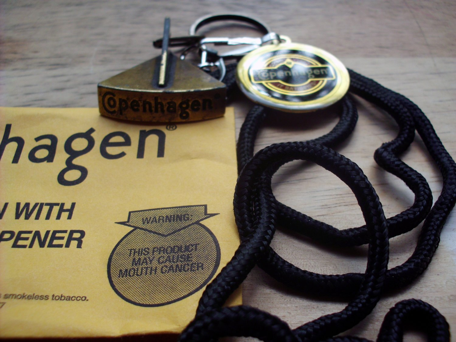 COPENHAGEN LID CUTTER WITH LANYARD NEW/PKG