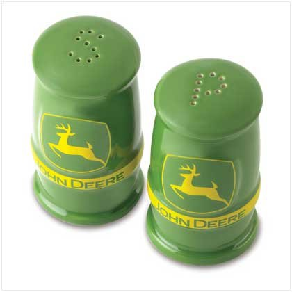 JOHN DEERE S & P SHAKERS SET