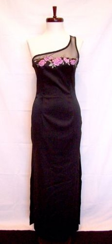 BLACK EVENING GOWN/FORMAL GOWN WITH FLOWER DETAIL BY RAMPAGE SIZE 5 NWOT