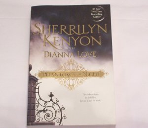PHANTOM IN THE NIGHT BY SHERRILYN KENYON W/ DIANNA LOVE *BRAND NEW*