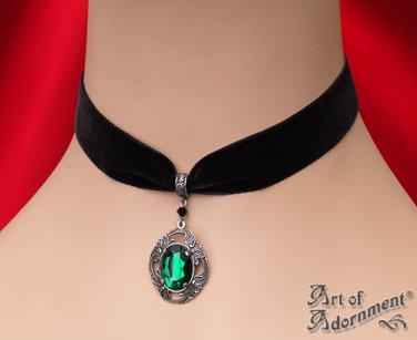 Victorian Gothic Green Crystal Silver Pendant Black Velvet Choker Necklace C17